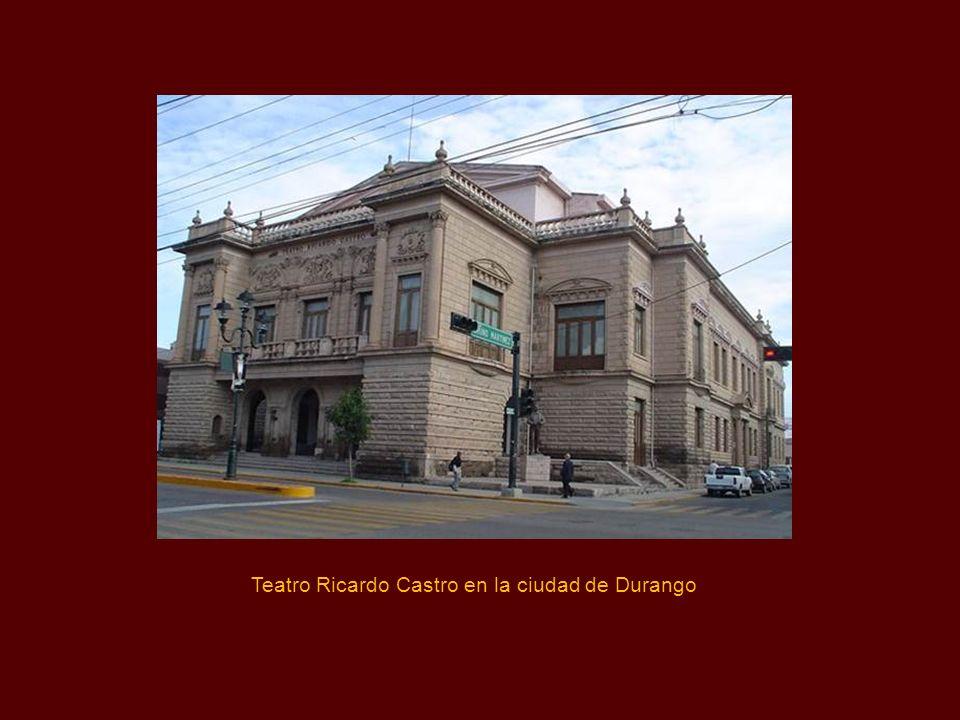 En Mayo de 1901, Castro dio un recital en la Sala Wagner, después del cual y a consecuencia del mismo, el director del periódico El Imparcial, le ofre