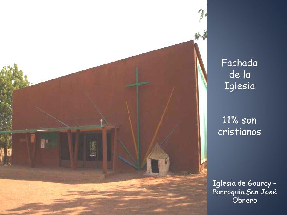 Fachada de la Iglesia 11% son cristianos Iglesia de Gourcy – Parroquia San José Obrero