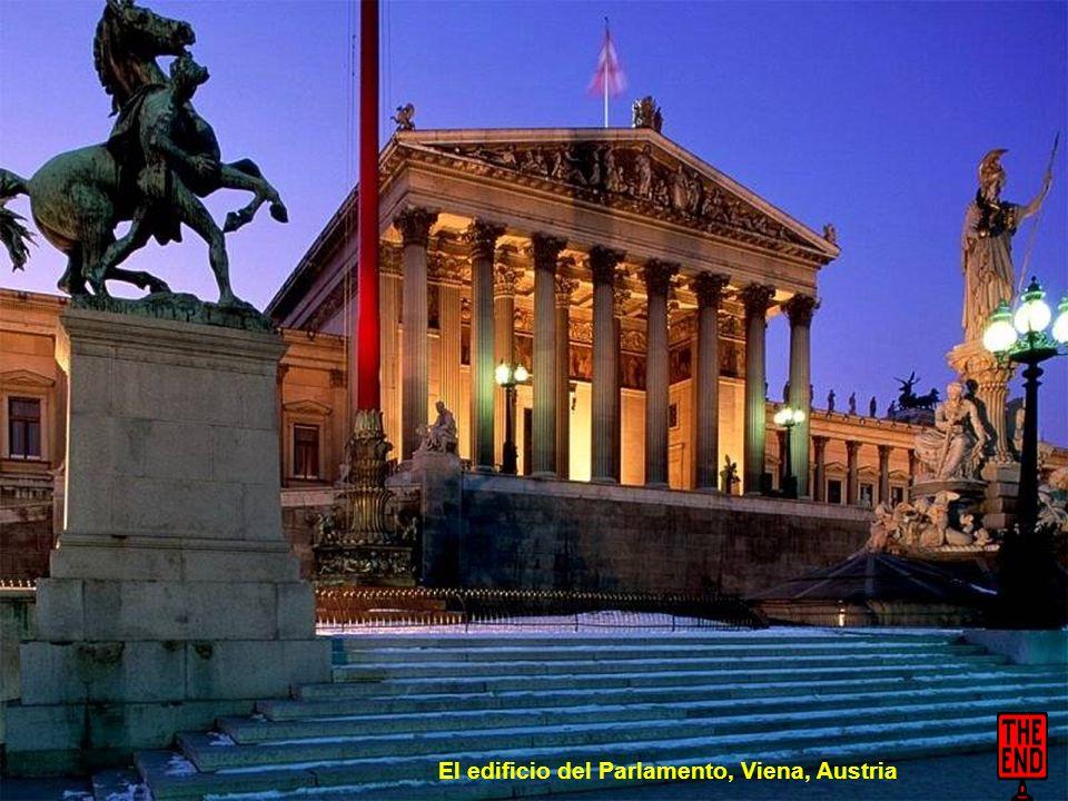 El edificio del Parlamento, Budapest, Hungría
