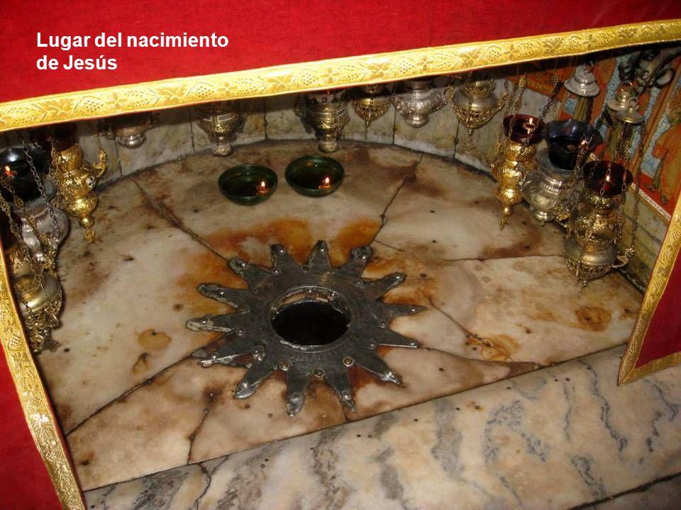 Interior de la Iglesia de la Natividad