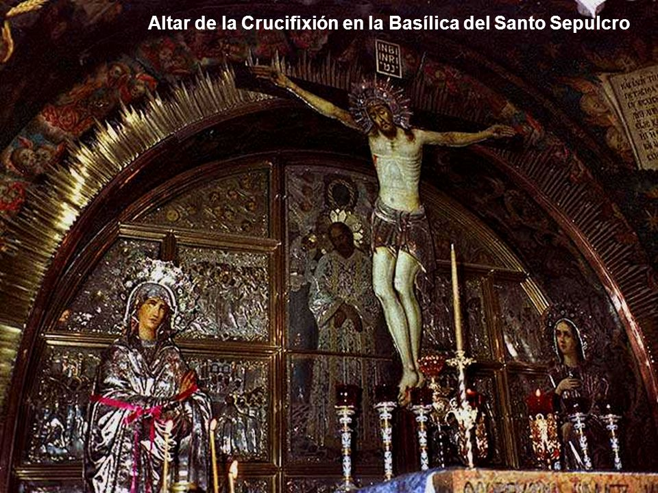 Basílica del Santo Sepulcro. Al pie del altar, la Roca de la Crucificción
