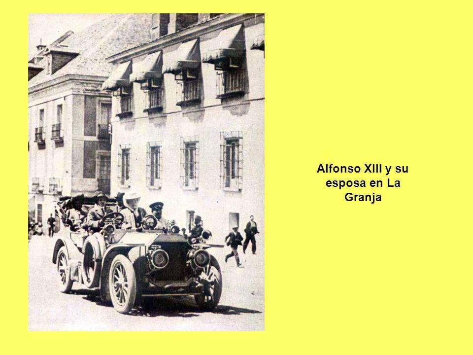 Alfonso XIII y su esposa en La Granja