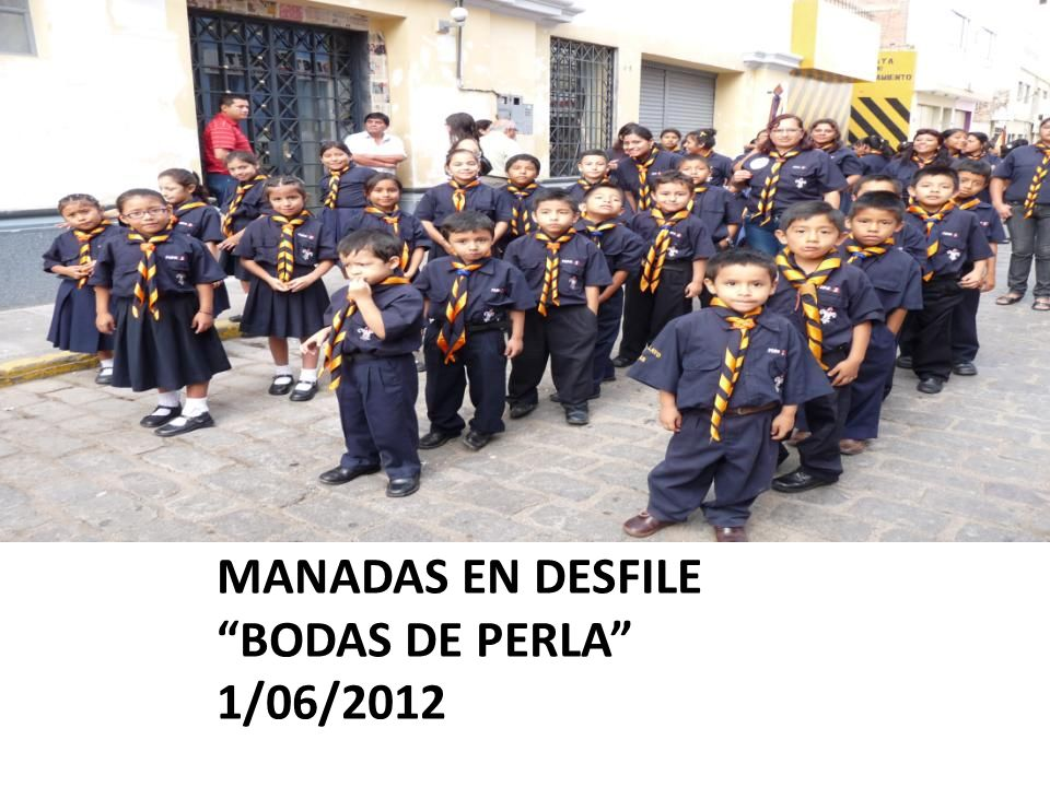 MANADAS EN DESFILE BODAS DE PERLA 1/06/2012