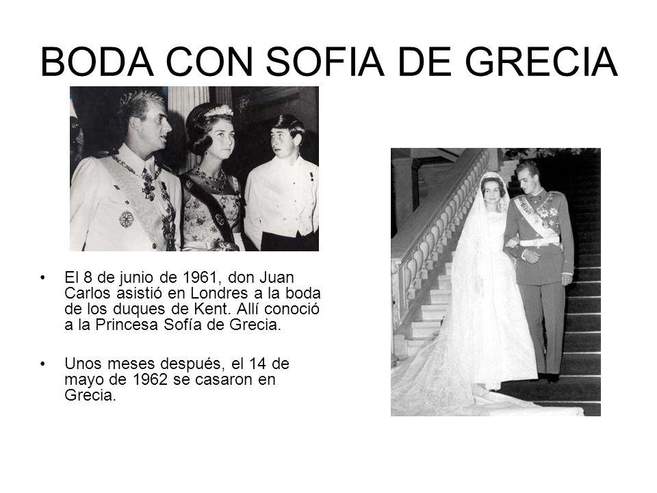 BODA CON SOFIA DE GRECIA El 8 de junio de 1961, don Juan Carlos asistió en Londres a la boda de los duques de Kent. Allí conoció a la Princesa Sofía d