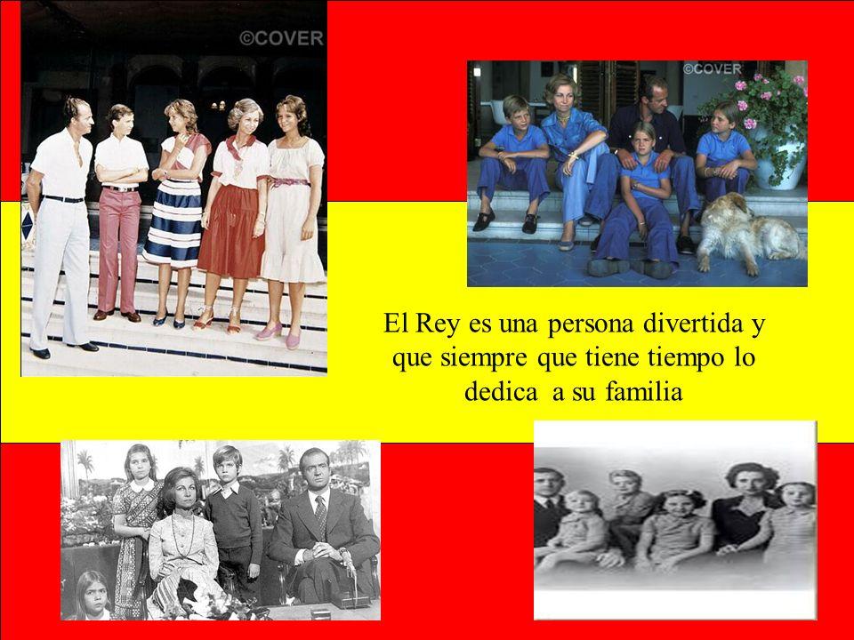 A quí el Rey Juan Carlos primero posa con toda su familia