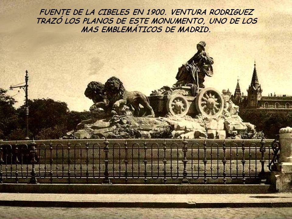 FUENTE DE LA CIBELES EN 1900.