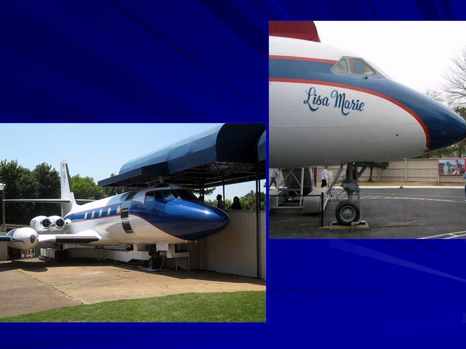 El avión tiene el nombre de su hija: Lisa Marie