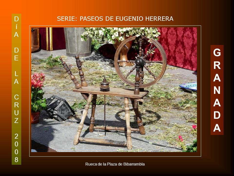DíADELACRUZ2008DíADELACRUZ2008 SERIE: PASEOS DE EUGENIO HERRERA GRANADAGRANADA Cruz de AA VV Sagrario Centro. Plaza de Bibarrambla