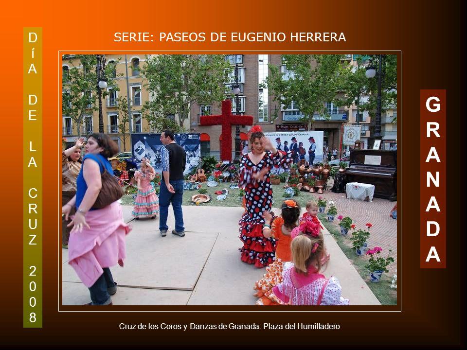 DíADELACRUZ2008DíADELACRUZ2008 SERIE: PASEOS DE EUGENIO HERRERA GRANADAGRANADA Detalle de la Plaza del Sagrario