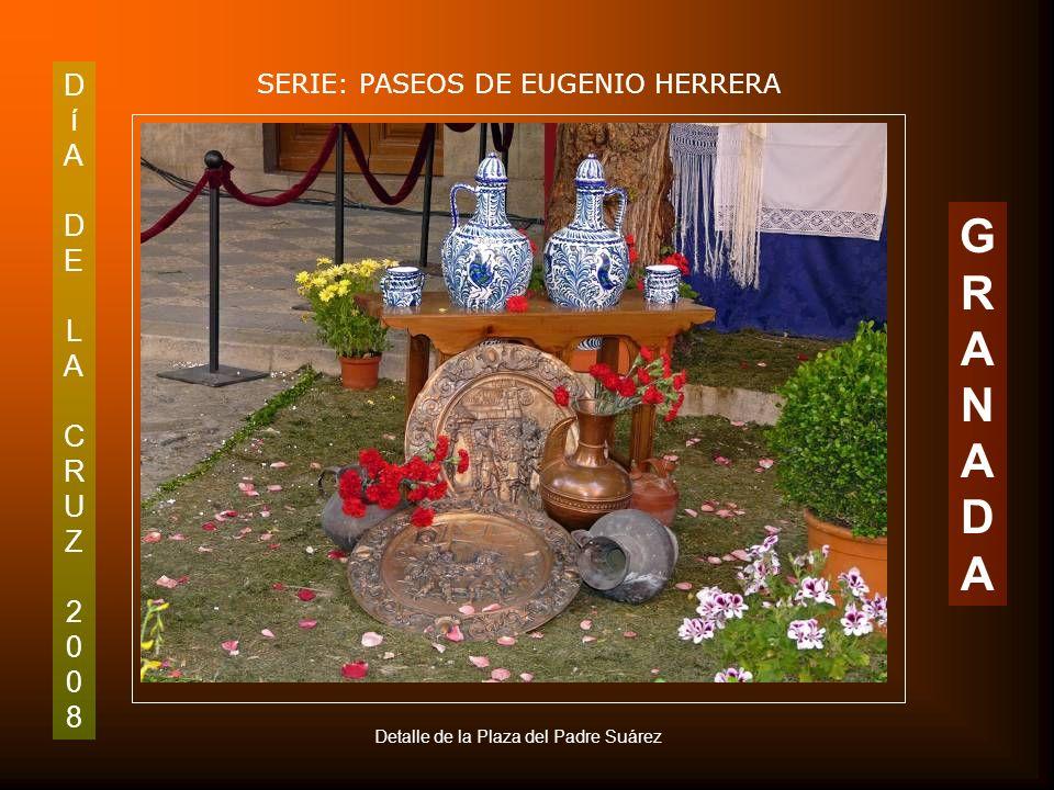 DíADELACRUZ2008DíADELACRUZ2008 SERIE: PASEOS DE EUGENIO HERRERA GRANADAGRANADA Cruz de Entrada de Jesús en Jerusalén. Plaza del Padre Suárez (Junto Ca