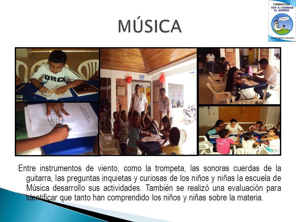 Entre instrumentos de viento, como la trompeta, las sonoras cuerdas de la guitarra, las preguntas inquietas y curiosas de los niños y niñas la escuela