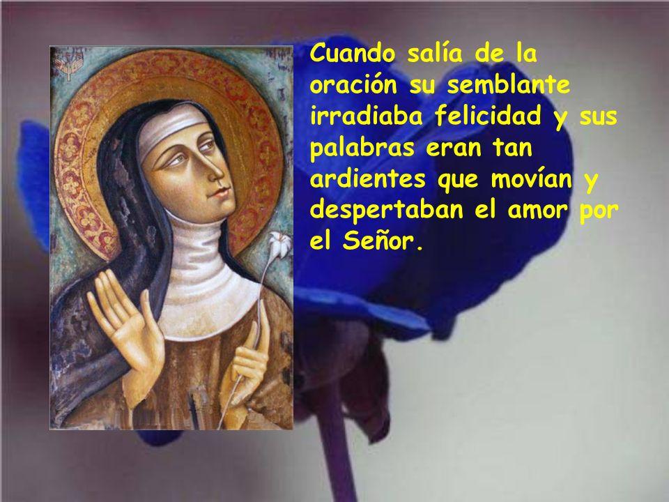 Para santa Clara la oración era la alegría, la vida, la fuente y manantial de todas las gracias. Muchas veces oraba cubierta de lágrimas o sintiendo e