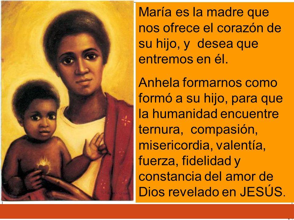 María es la madre que nos ofrece el corazón de su hijo, y desea que entremos en él. Anhela formarnos como formó a su hijo, para que la humanidad encue