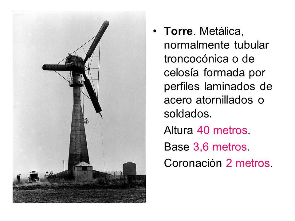 Torre. Metálica, normalmente tubular troncocónica o de celosía formada por perfiles laminados de acero atornillados o soldados. Altura 40 metros. Base