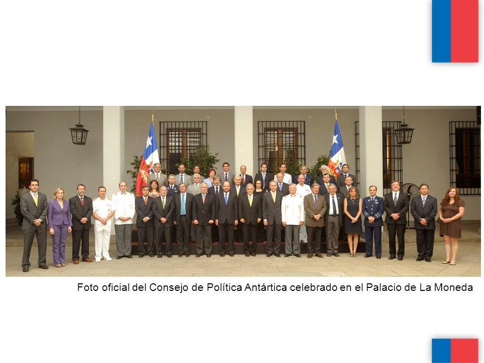 Foto oficial del Consejo de Política Antártica celebrado en el Palacio de La Moneda