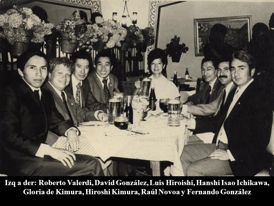 1973 México, D.F. Restaurante Los Insurgentes (Glorieta) Hanshi Isao Ichikawa cenando con los miembros de la mesa directiva de Doshinkan México Izq a