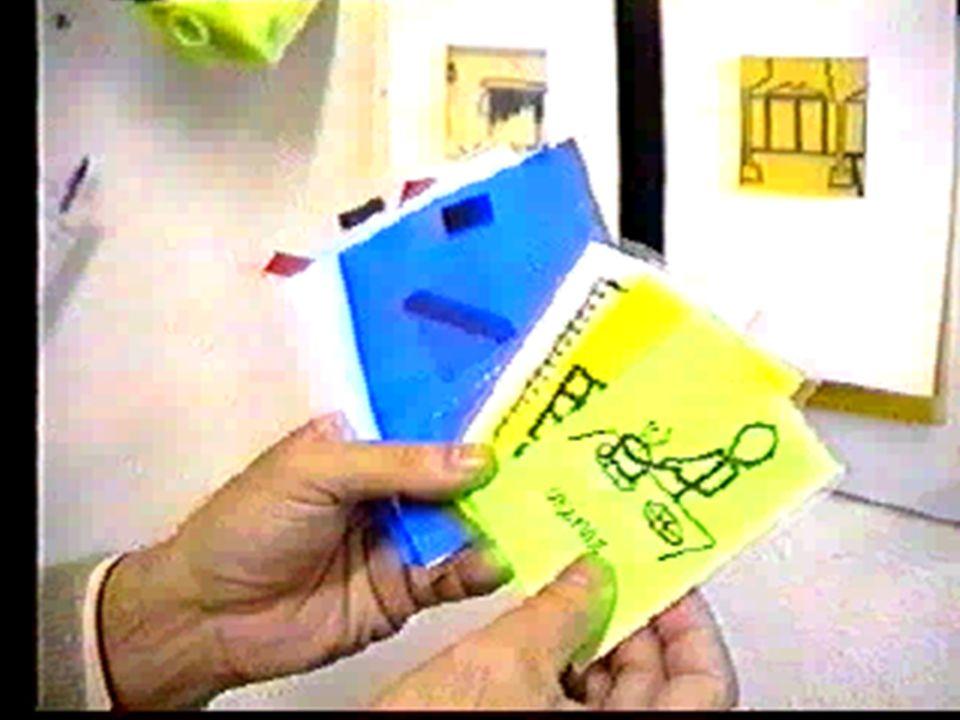 Funciones n Facilitan la orientación temporal Imagen tomada de la página de la Asociación Alanda http://www.asociacionalanda.org/web/ Reloj para informar sobre las actividades del día