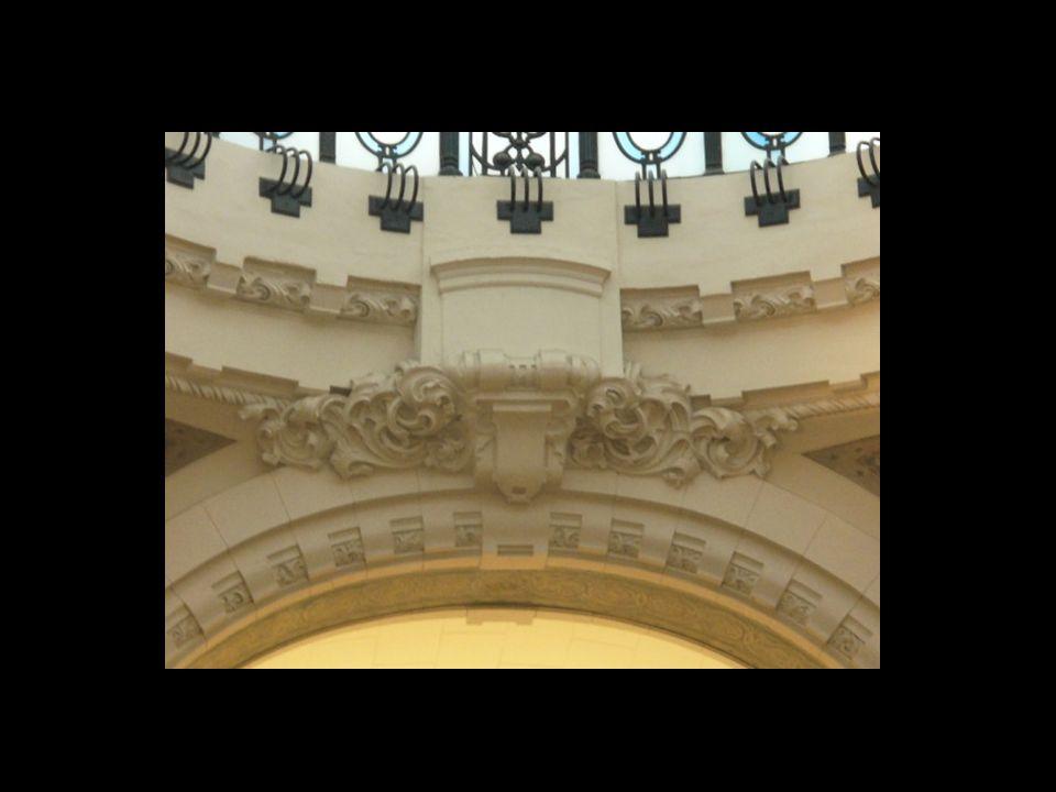 Para la Arquitectura del Art Nouveau, la Galería Güemes es uno de los ejemplos más representativos, ubicados en Buenos Aires, de este movimiento arqui