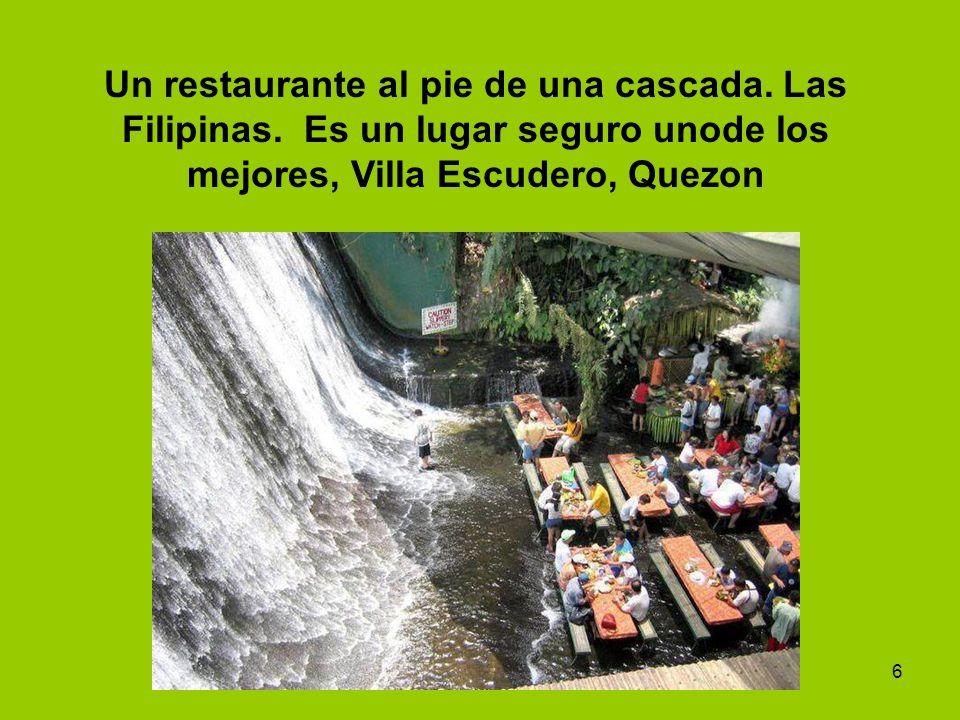 6 Un restaurante al pie de una cascada. Las Filipinas. Es un lugar seguro unode los mejores, Villa Escudero, Quezon