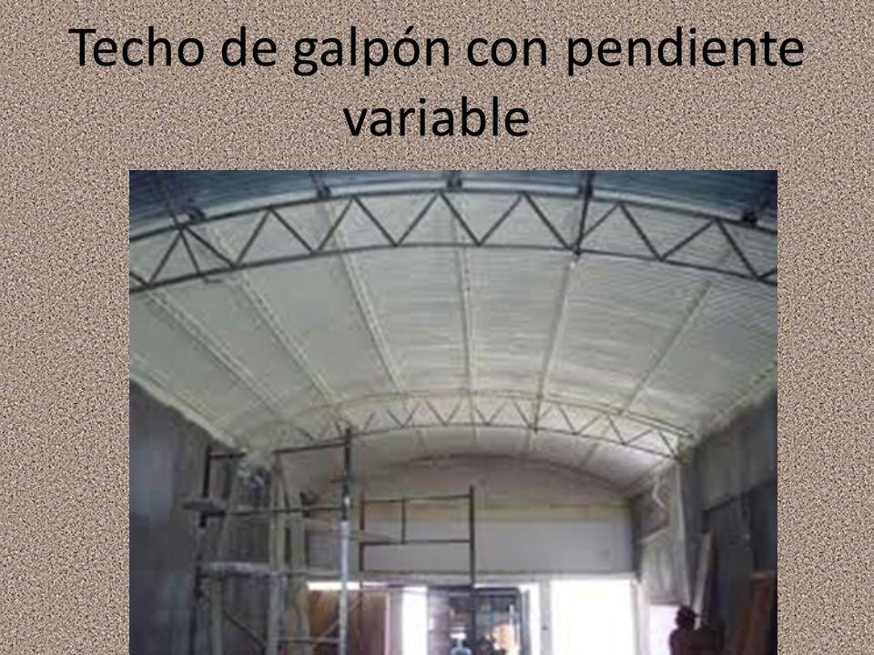 Techo de galpón con pendiente variable