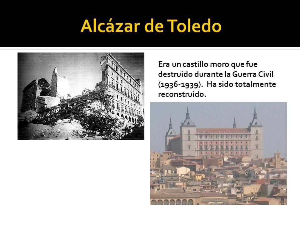 Era un castillo moro que fue destruido durante la Guerra Civil (1936-1939). Ha sido totalmente reconstruido.
