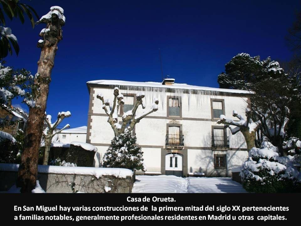 Casa de Orueta. En San Miguel hay varias construcciones de la primera mitad del siglo XX pertenecientes a familias notables, generalmente profesionale