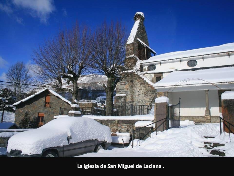 La iglesia de San Miguel de Laciana.