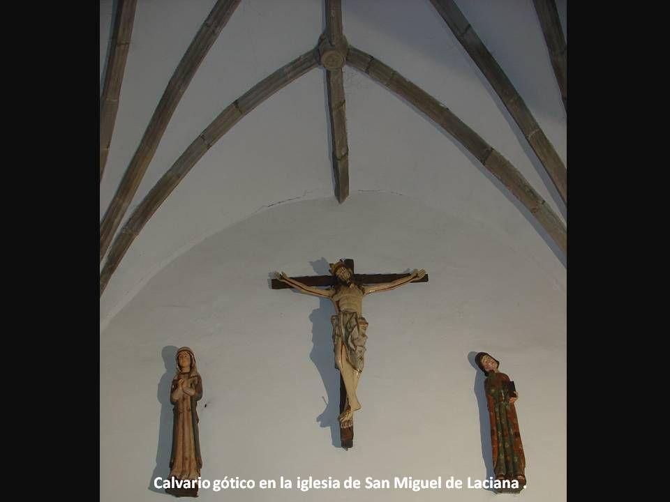 Calvario gótico en la iglesia de San Miguel de Laciana.