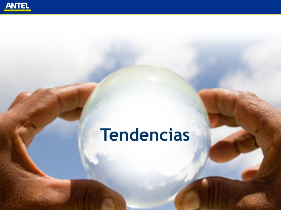Tendencia de servicios móviles Market Tracking Table - World Q2 2008Q4 2008Q4 2009Q4 2010Q4 2011Q4 2012 Number of Connections Total3,669,668,2273,945,924,0304,486,582,5044,986,698,9035,424,511,2345,794,643,024 GSM2,965,521,7553,156,485,8353,496,827,3963,764,791,9743,939,190,4223,993,489,597 WCDMA216,531,296265,279,665344,045,817374,207,938355,057,803321,125,184 WCDMA HSPA43,443,29573,146,246169,191,955337,544,530587,054,384906,283,136 WCDMA (Family) 259,974,591338,425,911513,237,772711,752,468942,112,1871,227,408,320 % of Connections GSM80.81 %79.99 %77.94 %75.50 %72.62 %68.92 % WCDMA5.90 %6.72 %7.67 %7.50 %6.55 %5.54 % WCDMA HSPA1.18 %1.85 %3.77 %6.77 %10.82 %15.64 % WCDMA (Family) 7.08 %8.58 %11.44 %14.27 %17.37 %21.18 % Key:Reported DataCalculated Data Wireless Intelligence 8/9/2008