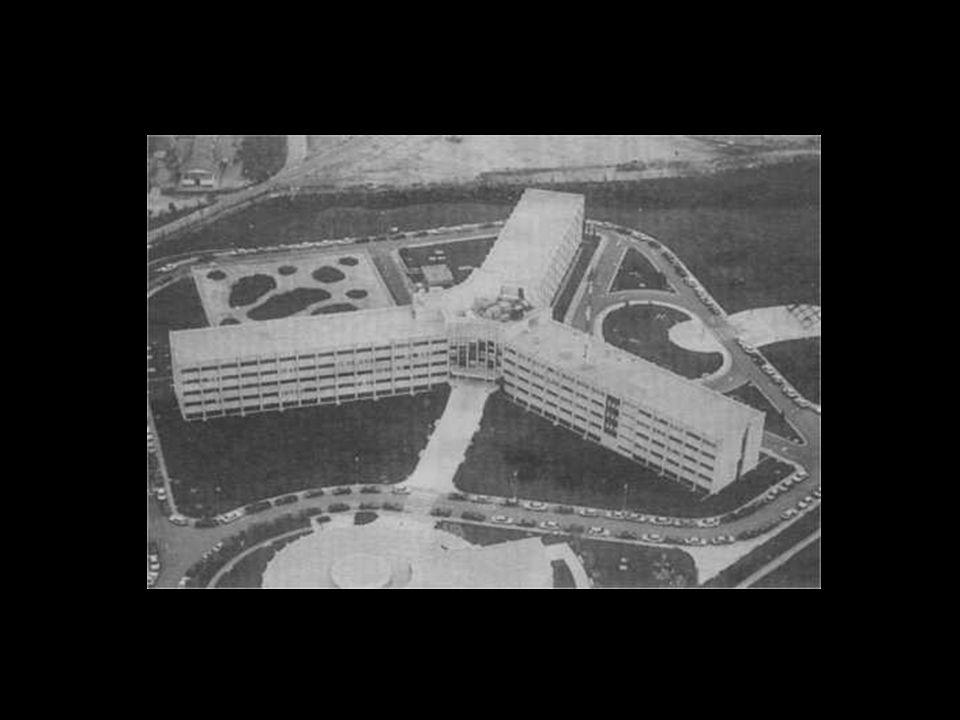 En la sede del Servicio de Inteligencia, a las 05:00 del día 24 de febrero, la Dirección (Narciso Carreras, Javier Calderón y José Luis Cortina) es informada de que el 2º JEME, el general Alfonso Armada, era la cabeza del golpe de Estado.