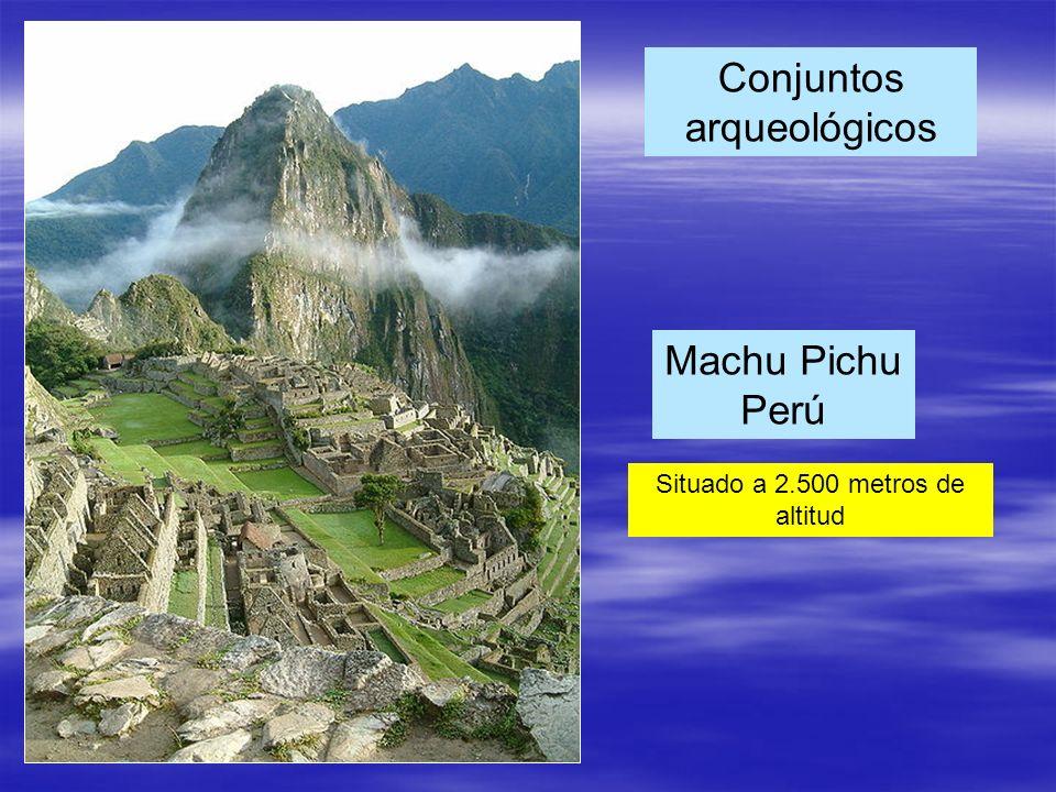 Machu Pichu Perú Conjuntos arqueológicos Situado a 2.500 metros de altitud