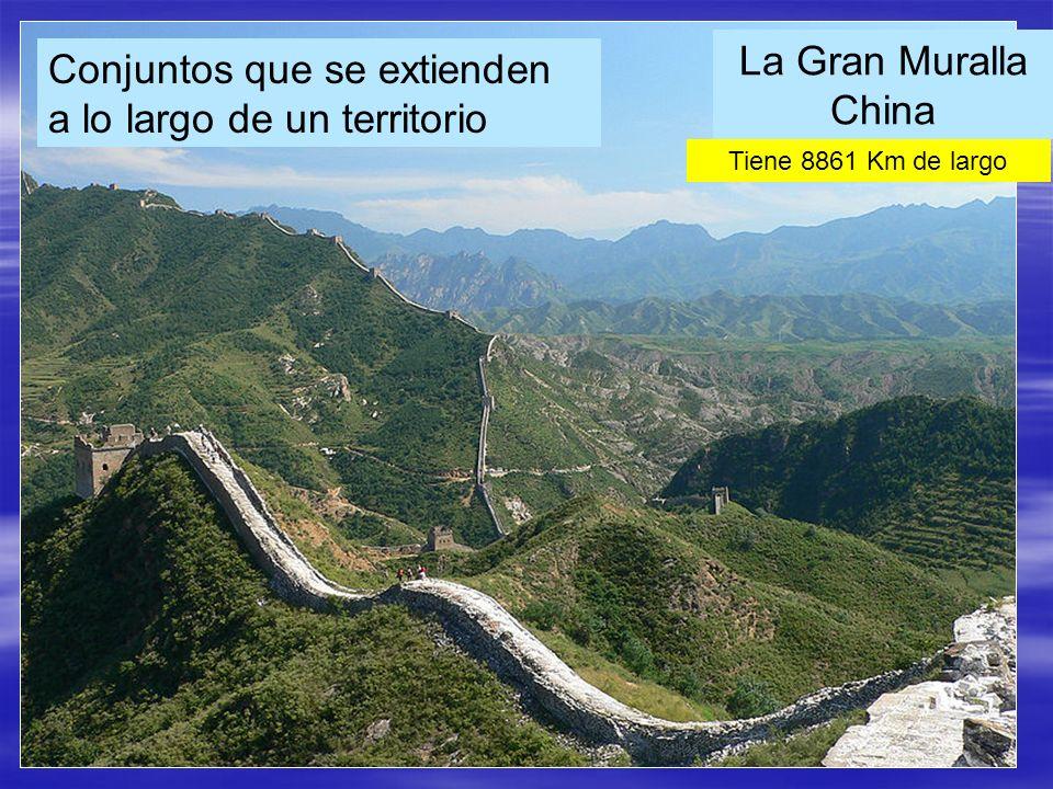 La Gran Muralla China Conjuntos que se extienden a lo largo de un territorio Tiene 8861 Km de largo