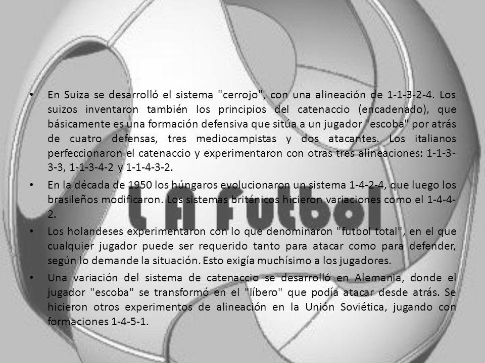 TACTICAS Las estrategias y tácticas del futbol son muy variadas, dándose muchas combinaciones desde los primeros años del siglo XX. Actualmente, en se