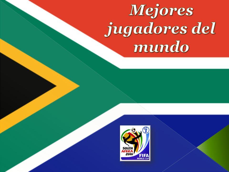 ROBERTO CARLOS DA SILVA Nación un (10 de abril de 1973), más conocido como Roberto Carlos, es un futbolista brasileño.