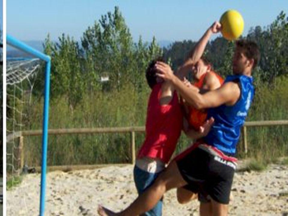 Tener en cuenta en Handball: Tener en cuenta en Handball: LESIONES DEL ARQUERO LESIONES DEL ARQUERO PREPARACIÓN PREPARACIÓN EXPERIENCIA EXPERIENCIA PROTECCIÓN PROTECCIÓN DEMÁS JUGADORES DEMÁS JUGADORES INTENSIDAD INTENSIDAD A.