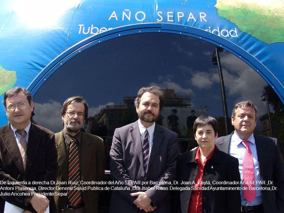 De Izquierda a derecha Dr.Joan Ruiz, Coordinador del Año SEPAR por Barcelona, Dr. Joan A. Caylà, Coordinador Año SEPAR,Dr. Antoni Plasencia, Director
