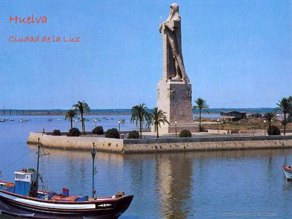 Huelva Huelva Situada en el ángulo suroccidental de la Península, límite entre Portugal, Extremadura y Andalucía, Huelva ha tenido estrecha relación con el Atlántico y le ha permitido el contacto con muchas culturas a lo largo de los siglos.