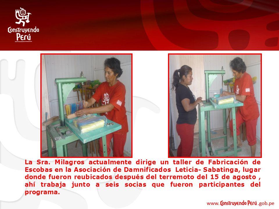 La Sra. Milagros actualmente dirige un taller de Fabricación de Escobas en la Asociación de Damnificados Leticia- Sabatinga, lugar donde fueron reubic