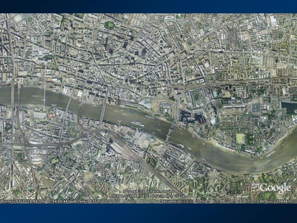 En tal sentido el Plan de los Tres Canales cons- tituye no sólo una notable obra urbanística, si- no un ejemplo de ingeniería social muy inspi- rador...