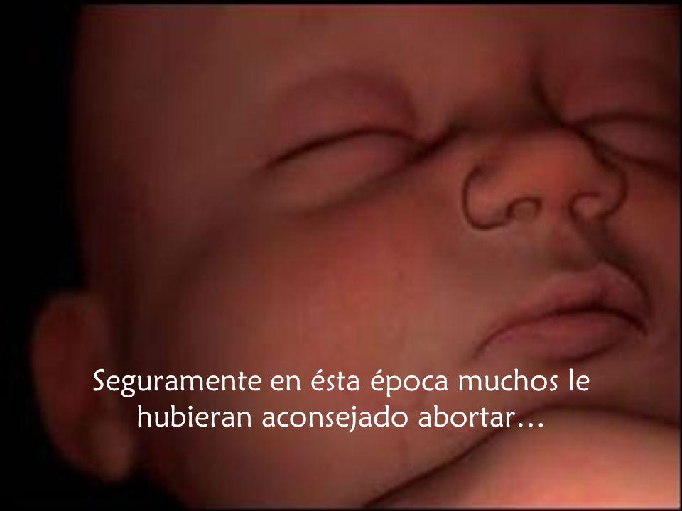Una joven está embarazada; no está casada y el hombre con el que está comprometida no es el padre del hijo que espera.