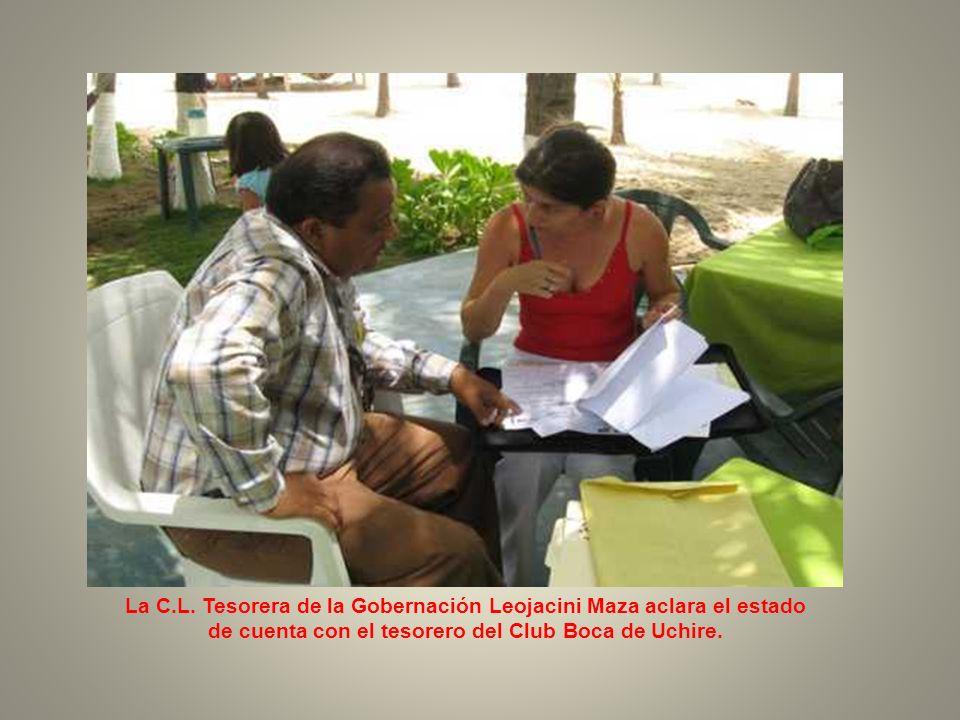 El C.L. Secretario de la Gobernación informa sobre el estado del Club de Leones Boca de Uchire.