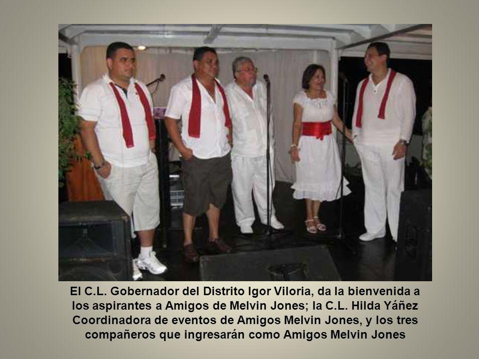 El compañero Gobernador del Distrito E-4 Igor Viloria, se dirige a los asistentes al acto; Cs.Ls.
