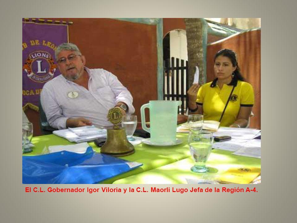 El compañero Gobernador Igor Viloria; Laura Franquiz, Reina del Distrito Múltiple E y la C.L.