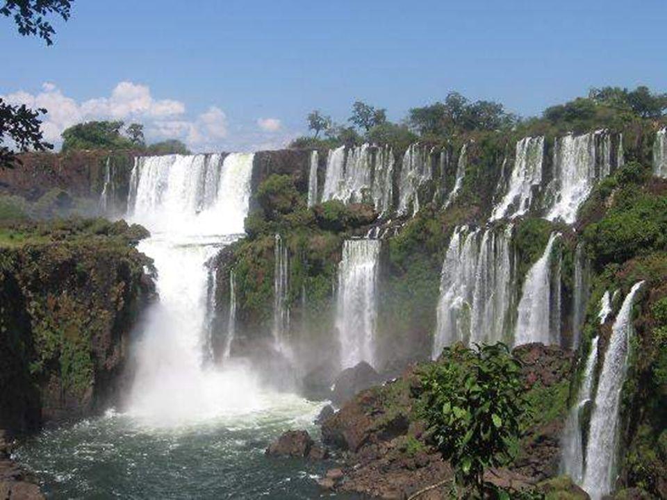 Las cataratas del Iguazú (del idioma guaraní: Yguasu, en portugués: cataratas do Iguaçu) son las cataratas localizadas en la provincia de Misiones, en