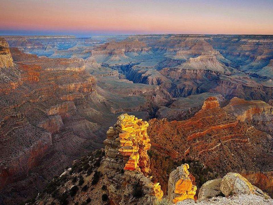 El Gran Cañon (the Grand Canyon) es una vistosa y escarpada garganta excavada por el río Colorado en el norte de Arizona, Estados Unidos. El Cañón est