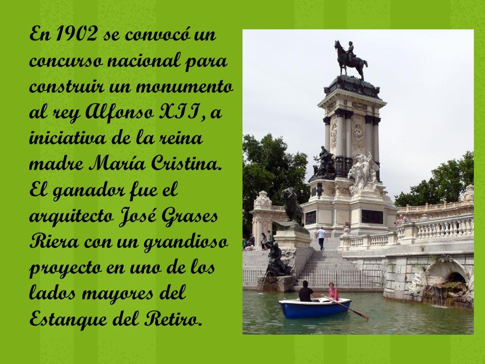 En 1902 se convocó un concurso nacional para construir un monumento al rey Alfonso XII, a iniciativa de la reina madre María Cristina. El ganador fue