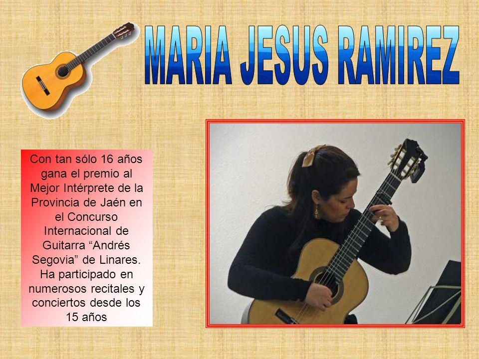 Con tan sólo 16 años gana el premio al Mejor Intérprete de la Provincia de Jaén en el Concurso Internacional de Guitarra Andrés Segovia de Linares.