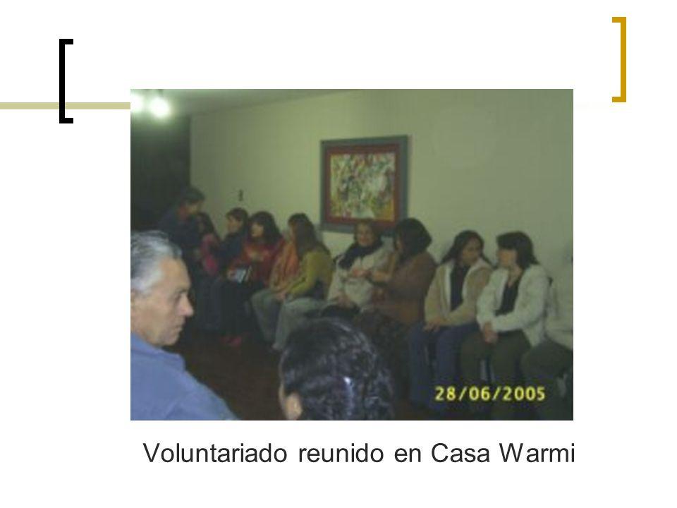 Voluntariado reunido en Casa Warmi