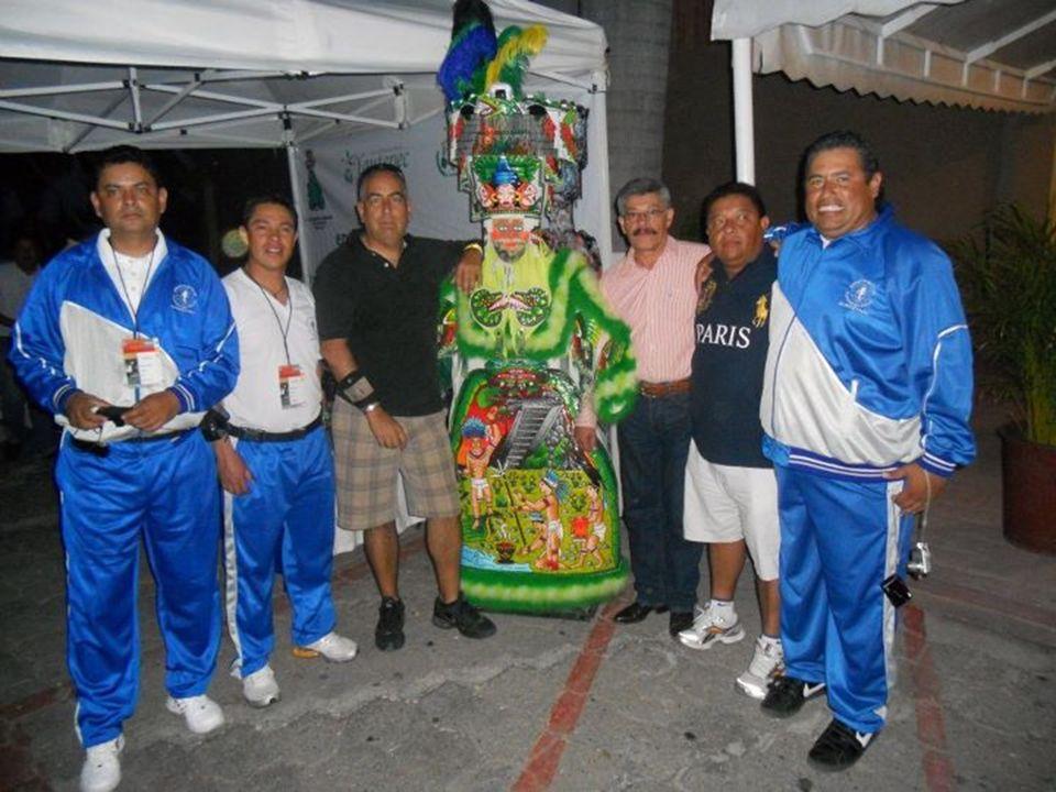 Chinelo es un traje tradicional utilizado para El Brinco de los Chinelos , danzas tradicionales de los festejos del Carnaval en diversos poblados del estado de Morelos, en México.