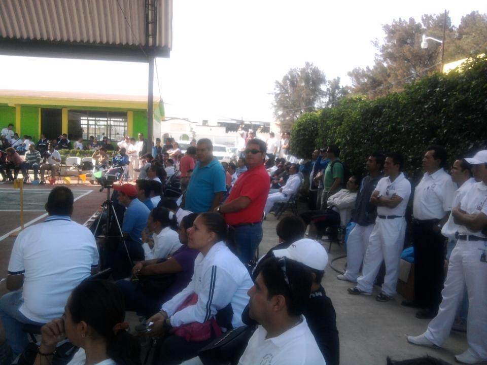 LOS OBSERVADORES HACIAN SUS ANOTACIONES